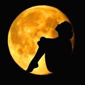 zena-cyklicka-mesic